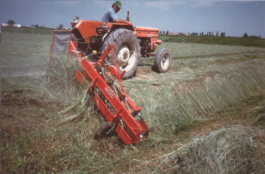 HAY RAKE FOR DITCHES AND EMBANKMENTS  - working widths: from 120 to 260 cm.